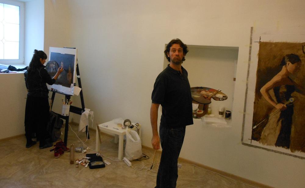 painting in the studio, alongside  Amaya GURPIDE