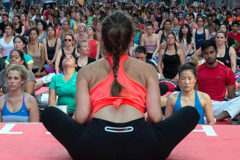 5 yoga tmes square 2015.jpg