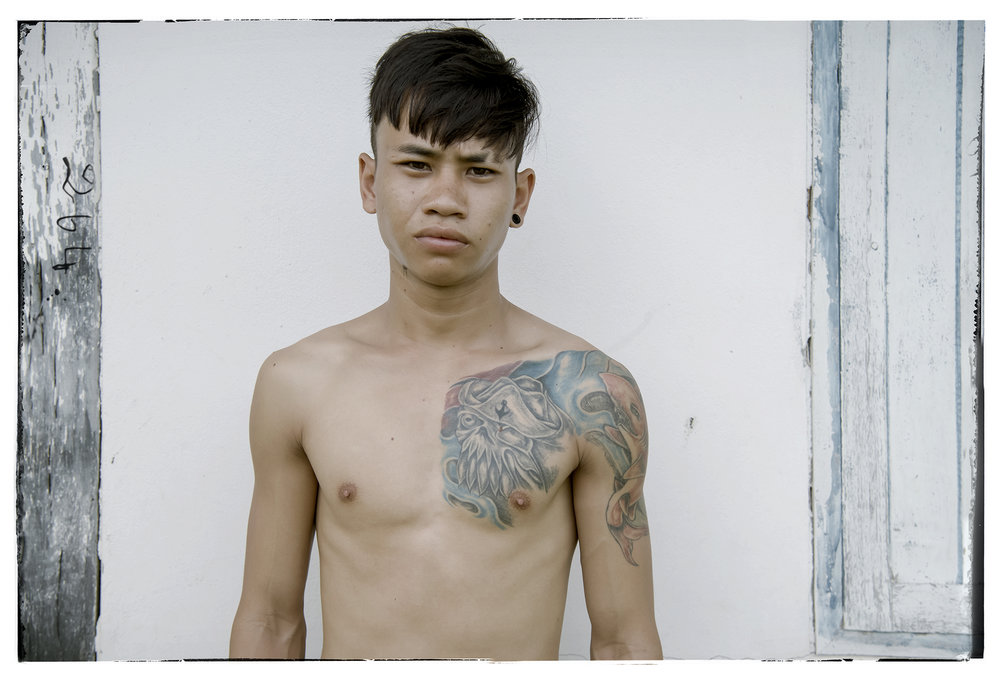 Name: Sua Age: 23 Born: Buriram Province Sua is an active fighter at the stadia of Bangkok. Getting his start on the rough trails of Isaan, he has had over 200 fights.