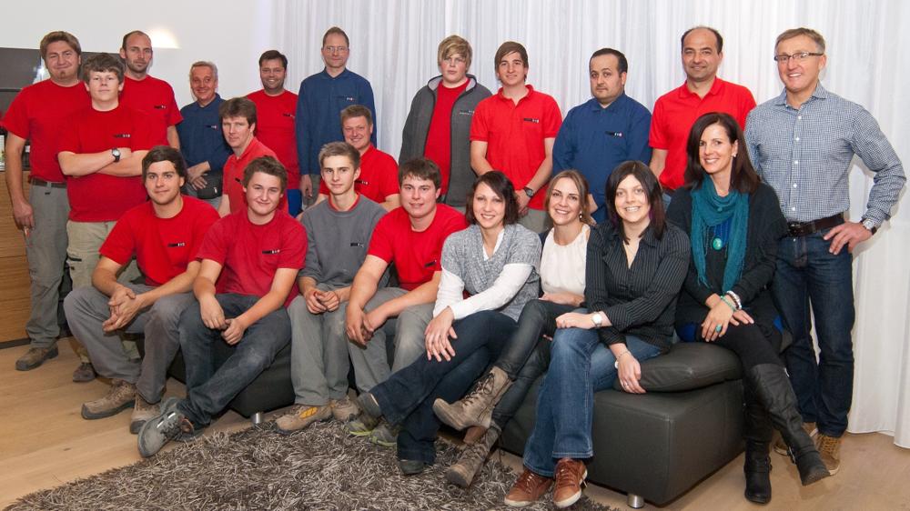 Bestens ausgebildet, perfekt aufeinander eingespielt. Die Mitarbeiter von Elektro Kontriner. Voilà das EKO Team.