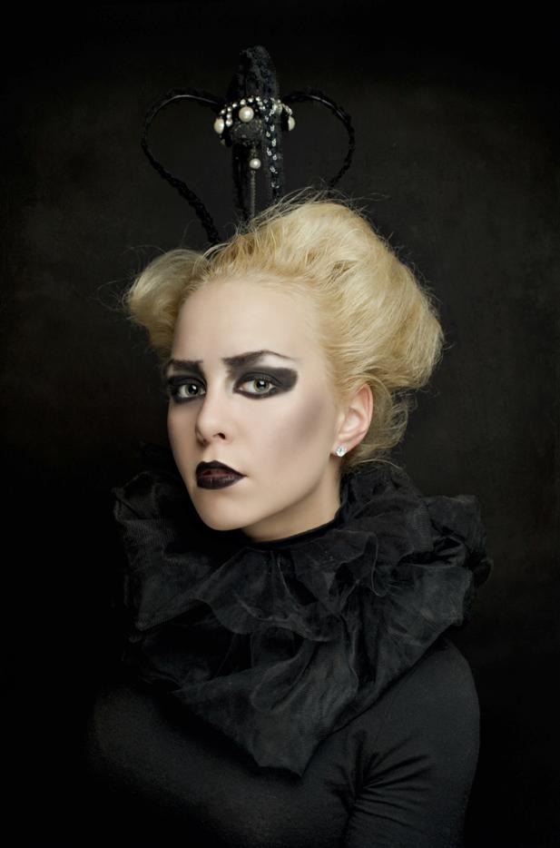 ©Karolina Kotkiewicz,Dark queen: Model, Marta Bugalska. Hair, make up. Stylist, Karolina Kotkiewicz