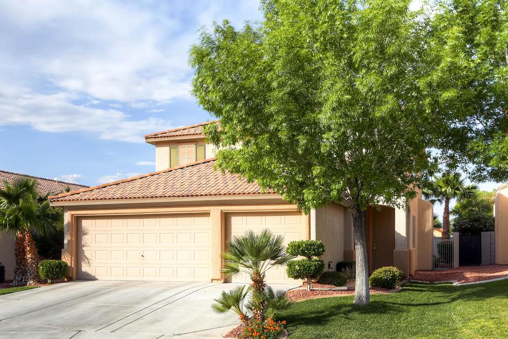 584 Highgate Park Ct Las Vegas-large-002-Exterior Front-1500x1000-72dpi.jpg