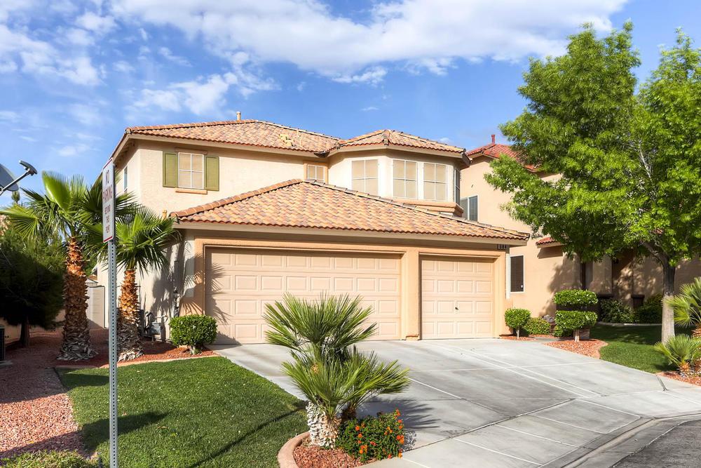 584 Highgate Park Ct Las Vegas-large-001-Exterior Front-1500x1000-72dpi.jpg