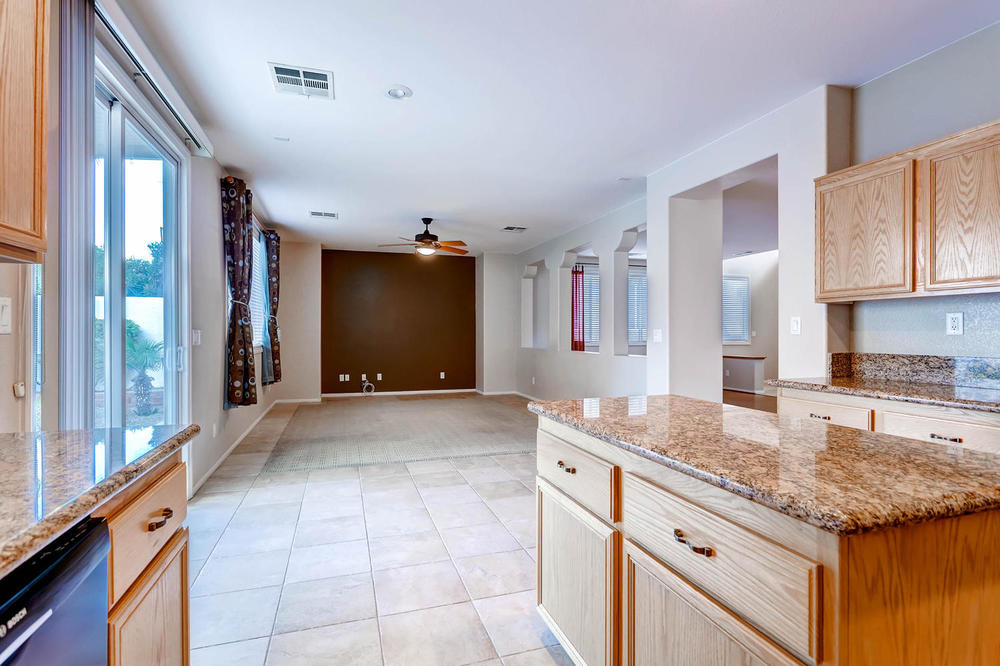 584 Highgate Park Ct Las Vegas-large-012-Kitchen-1500x1000-72dpi.jpg
