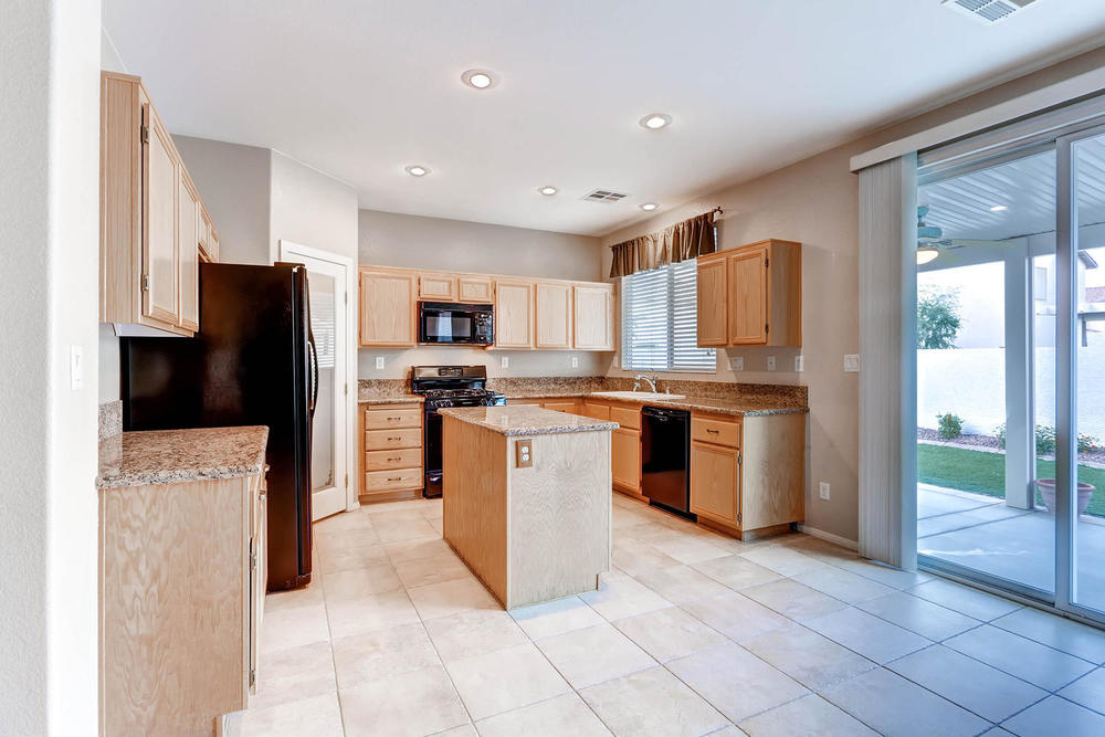 584 Highgate Park Ct Las Vegas-large-010-Kitchen-1500x1000-72dpi.jpg