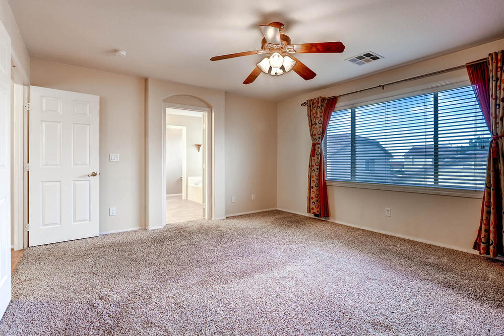 584 Highgate Park Ct Las Vegas-large-016-2nd Floor Master Bedroom-1500x1000-72dpi.jpg
