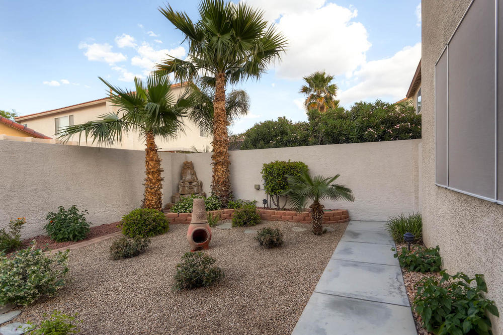 584 Highgate Park Ct Las Vegas-large-028-Back Yard-1500x999-72dpi.jpg