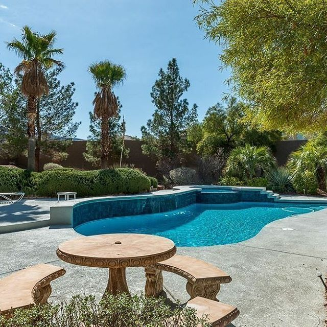 Gorgeous 1 story/2700sf home in Henderson for $549K! Stunning outdoor area with patio and pool/spa! Cozy fireplace and 3-car garage! ⠀⠀ -⠀⠀ Presented by Shawn and Kyle Cunningham, Cunningham Real Estate Group at RE/MAX Advantage⠀⠀ #OurBrandisService #lasvegas #homesforsale #vegasrealestate #lasvegasrealestate #lasvegasrealtor #lasvegashomes #hendersonnv #homesforsale #luxurylifestyle #lasvegasluxury #lasvegasluxuryhomes #luxury #hendersonluxuryhomesforsale #lasvegaspoolhomes #remaxcollection