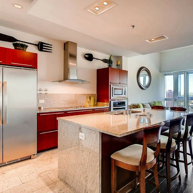 Breathtaking high rise condo for rent $2,285 a month! Features island kitchen high ceilings, great view, and open floor plan! Call Shawn at 702-823-0855! ⠀ -Presented by Shawn and Kyle Cunningham, Cunningham Real Estate Group at RE/MAX Advantage ⠀ #OurBrandIsService #lasvegasrealestate #lasvegasrealtor #vegasbound  #cunninghamgroup  #listings #vegaslocal #vegasrealestate #remax #luxurycondos #lasvegasstrip #lasvegas