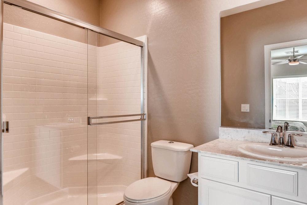 996 Fairway Hill Drive-large-022-7-Bathroom-1500x1000-72dpi.jpg