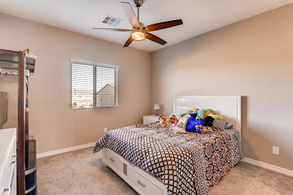996 Fairway Hill Drive-large-015-15-2nd Floor Bedroom-1500x1000-72dpi.jpg