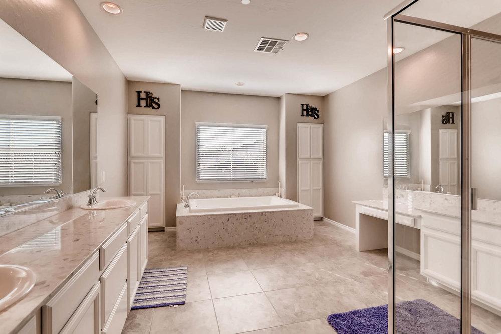 996 Fairway Hill Drive-large-013-22-2nd Floor Master Bathroom-1500x1000-72dpi.jpg