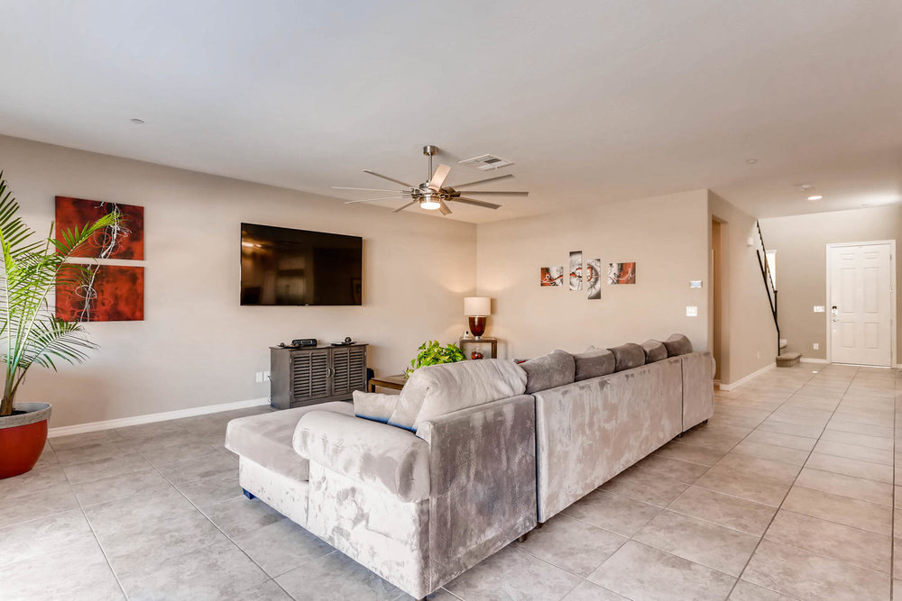 996 Fairway Hill Drive-large-004-14-Living Room-1500x1000-72dpi.jpg
