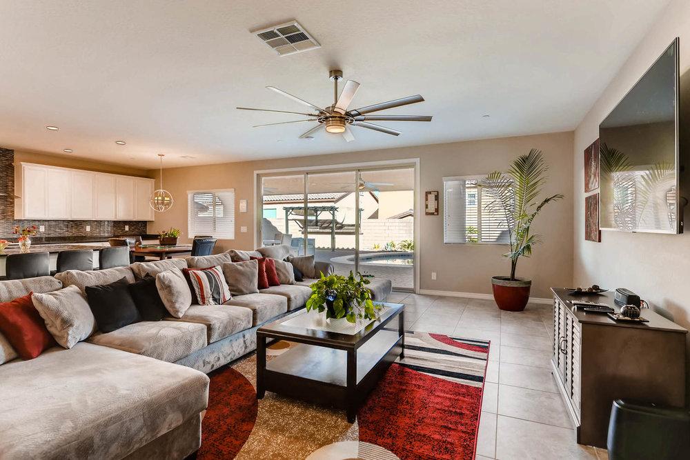 996 Fairway Hill Drive-large-005-5-Living Room-1500x1000-72dpi.jpg