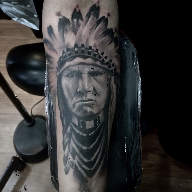 Native American chief #chicagotattooartist #customtattoodesign #chicagostatetattoo #bng #blackandgrey #inkjecta #silverbackink #833nwestern