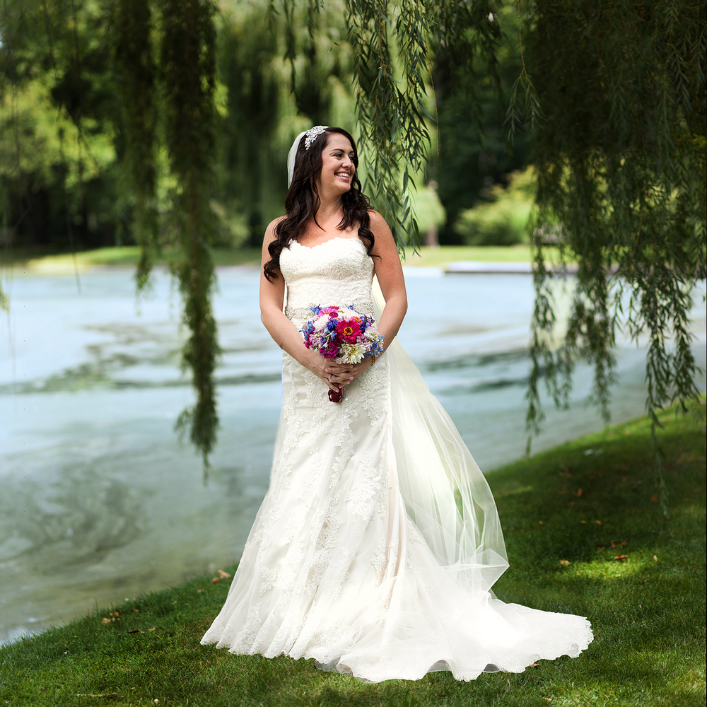 Bridal Portrait Smiling Saint Mary's Notre Dame Pond Willow Tree - joannaFOTOGRAF Joanna Reichert.jpg