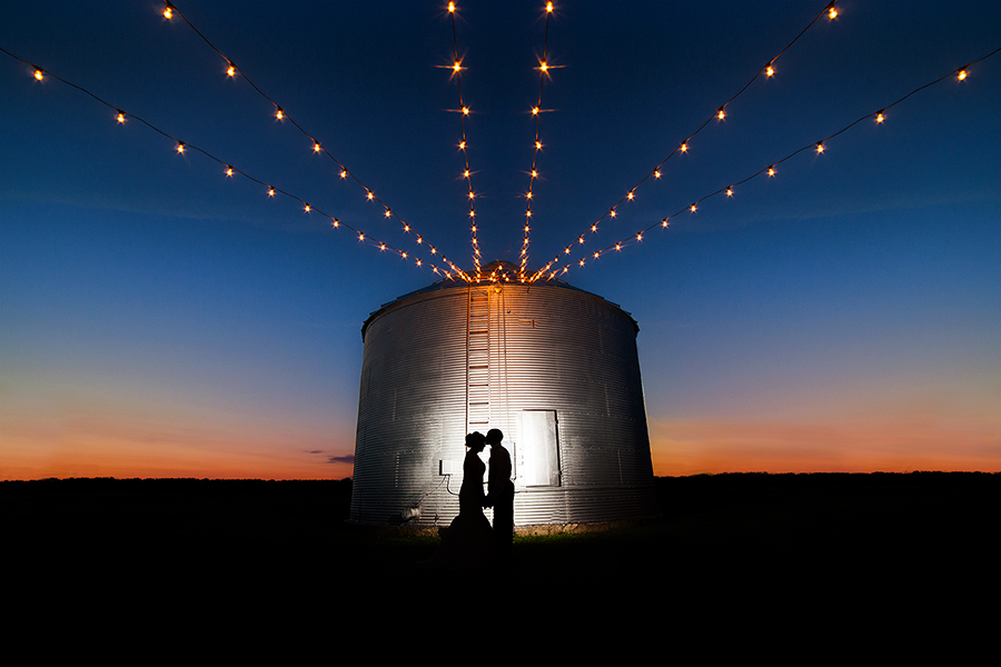 Country Wedding Silo Silhouette Bridal Portrait Evening - joannaFOTOGRAF Joanna Reichert WEB.jpg