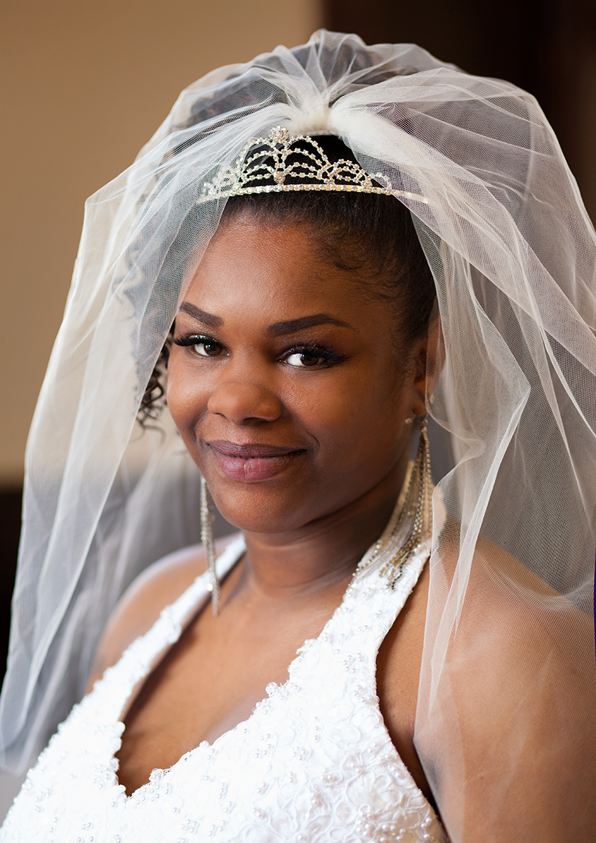 Bridal Portrait African American Smile Veil Beautiful - joannaFOTOGRAF Joanna Reichert.jpg
