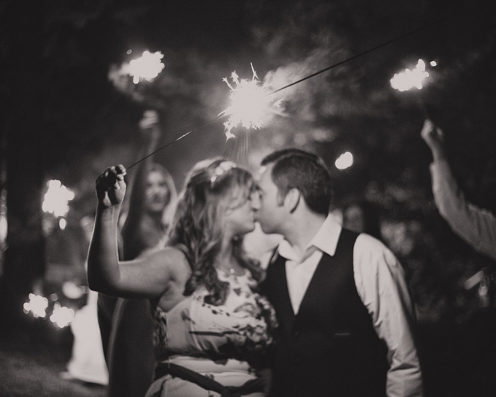 Wedding Sparkler Kissing B&W Bride Groom South Bend Indiana Michigan Chicago - joannaFOTOGRAF Joanna Reichert.jpg