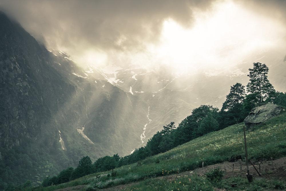 zonnestralen berg high.jpg