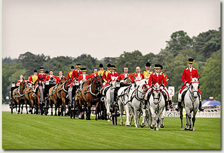 the queen's carriage royal procession at royal ascot