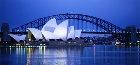 Sydney%20LR.jpg