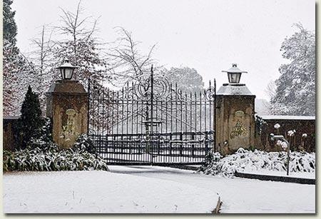 Summerhill Stud Gates - Mooi River Snow