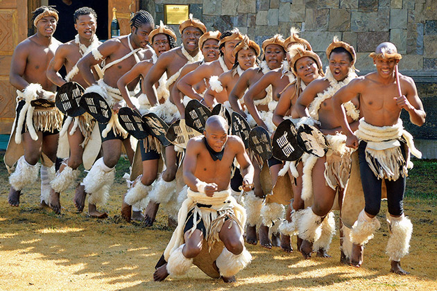 Summerhill's Imbalenhle Traditional Dance Troupe / Leigh Willson (p)