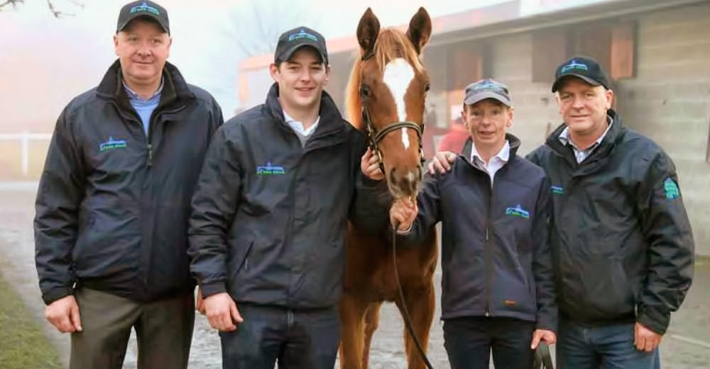 Al Eile Stud team with the Frankel filly foal / TDN (p)