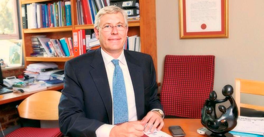 Professor Ian Sanne /bu.edu