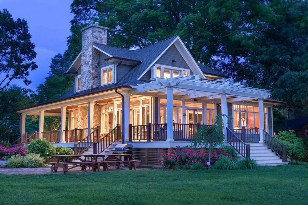 Jannys House Night (1).jpg