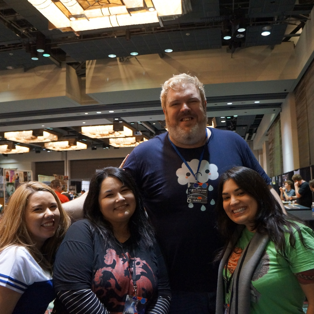 Kristian Nairn (Hodor!) is so tall!