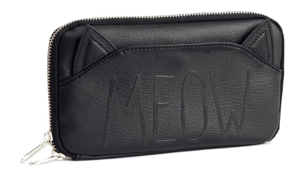 h&m kitty wallet.jpg