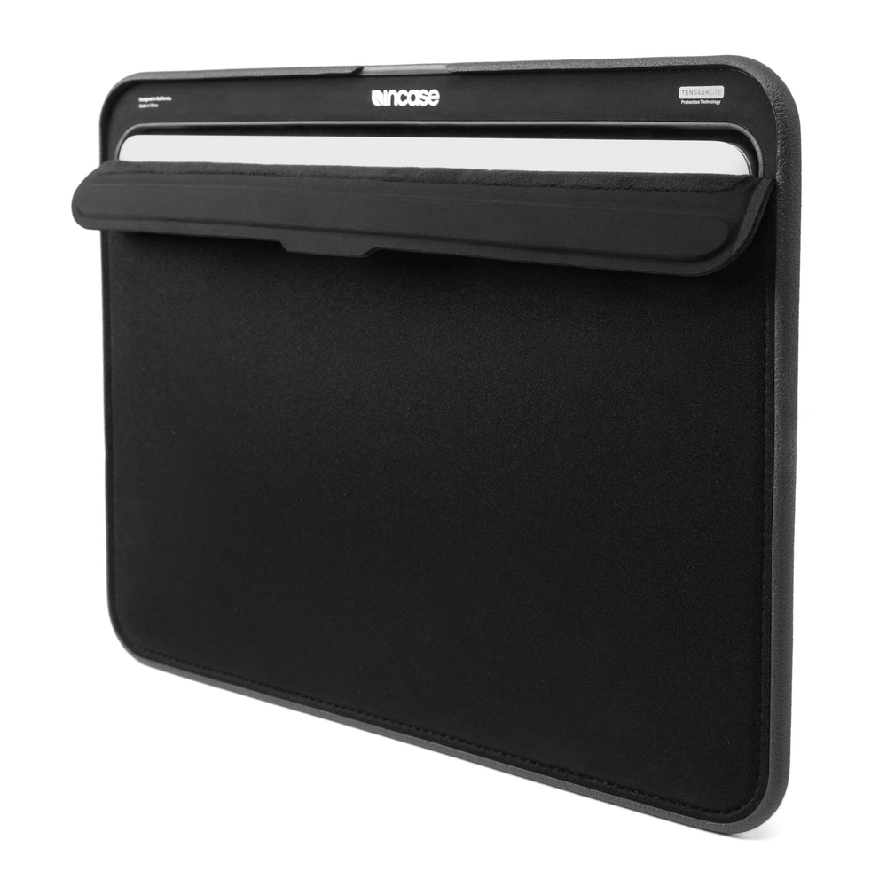 incase-ICON-TENSAERLITE-macbook-sleeve.jpg