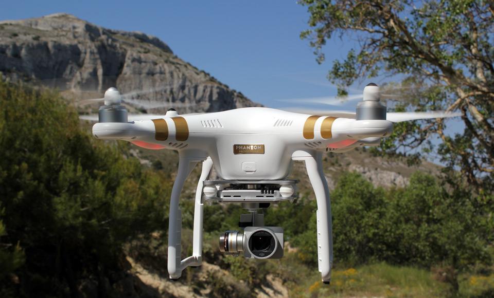 dji-phantom3-professional-drone.jpg