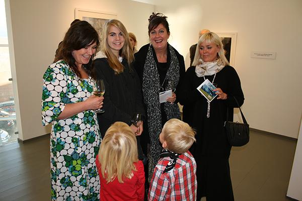 Flotte jenter sammen med Hilde. Benedikte, Lillian Sund og Lise Vang.