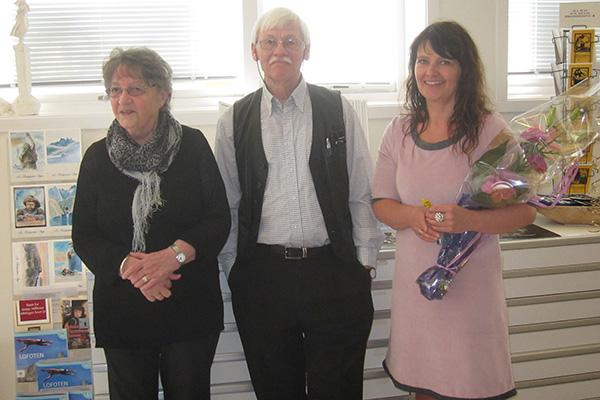 Hilde sammen med Dagfinn Bakke og hans skjønne kone. Takk for fine ord i åpningstalen Dagfinn!