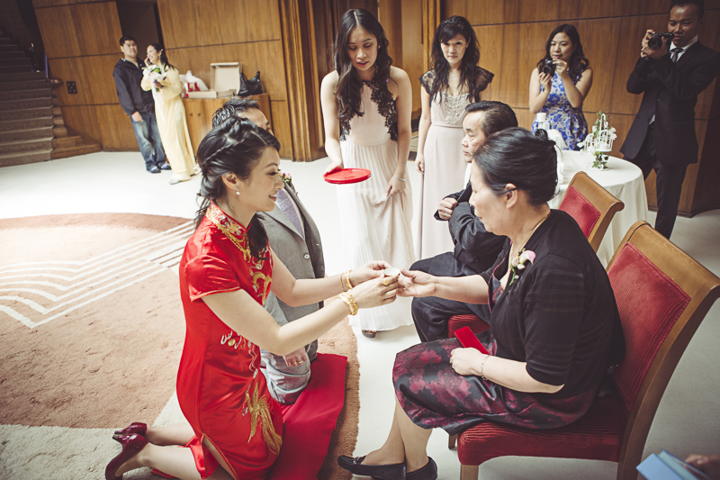 exchange of tea at Eltham Palace wedding