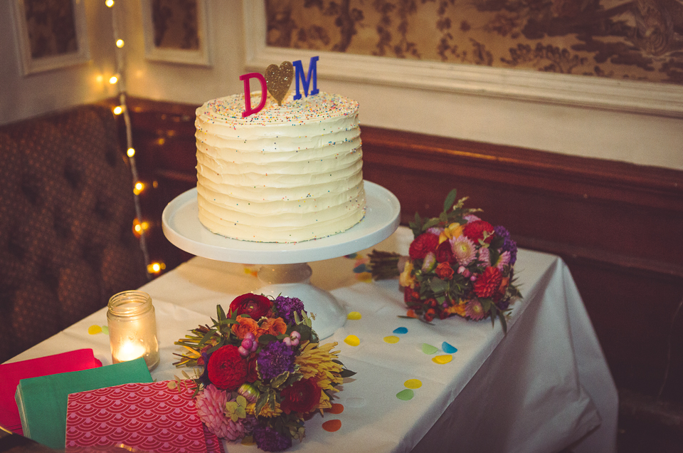 D and M's wedding cake