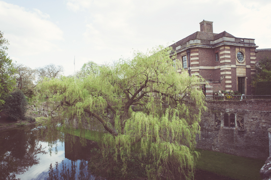 Alternative wedding photography at Eltham Palace