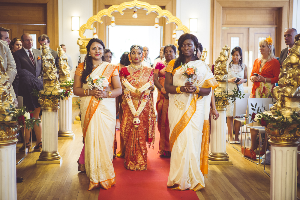 London wedding full of colour