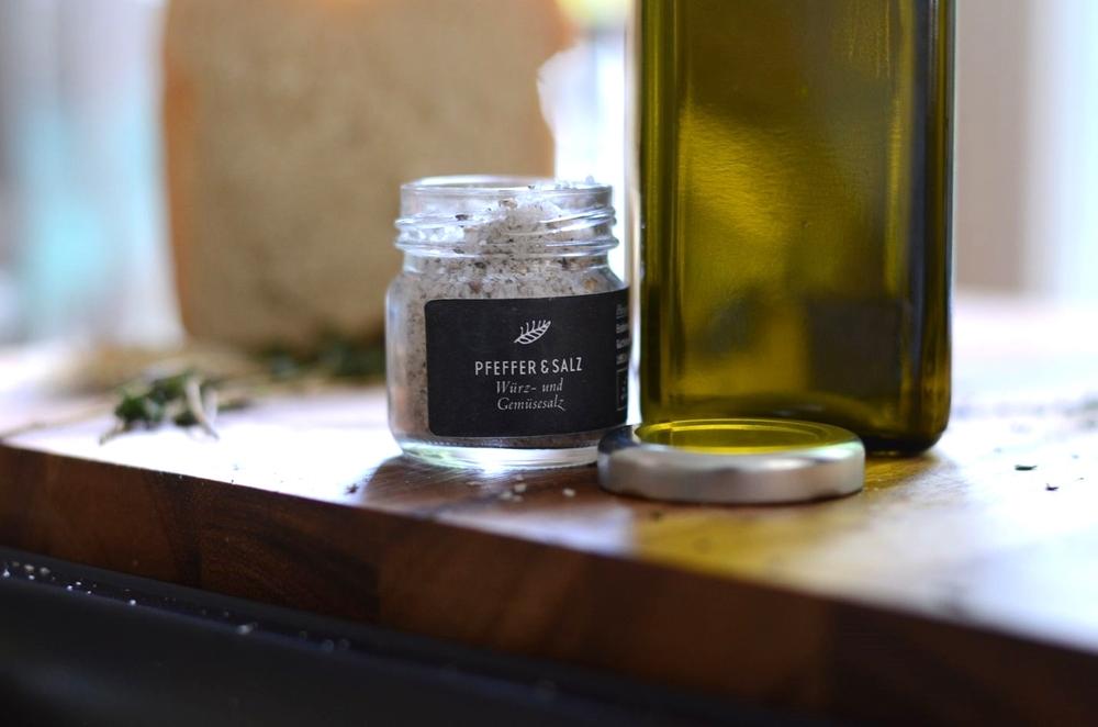 Salz, Pfeffer, Olivenöl