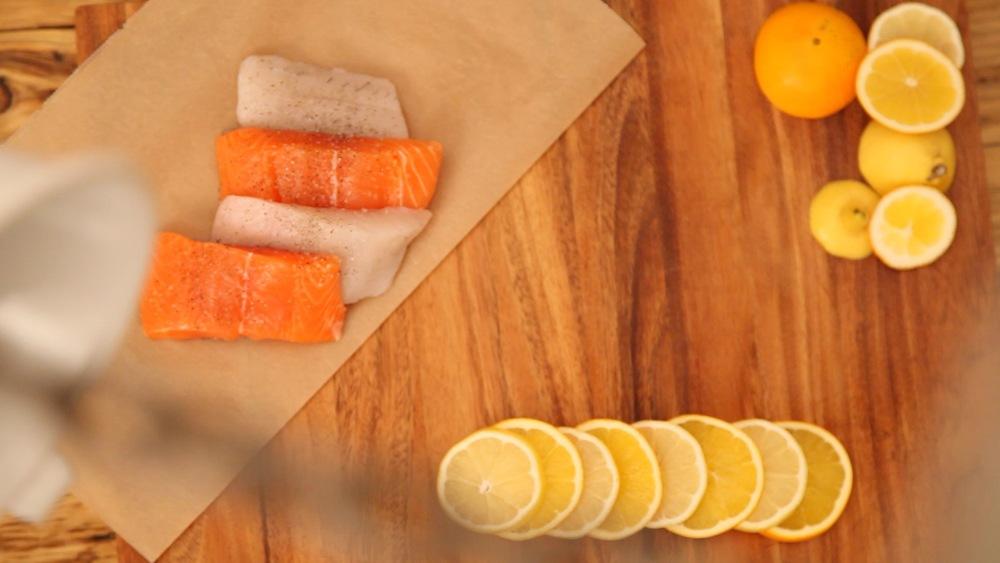 350 g festes Fischfilet salzen und pfeffern