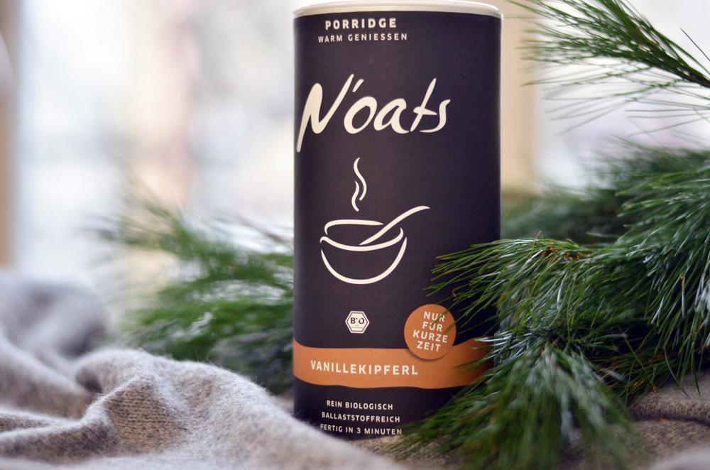 Organic Porridge mögen nicht nur die Schotten, wo das Gericht ursprünglich herkommt. Zum Frühstück ist die süße Variante immer und überall ein guter Start in den Tag. Mit der Special Edition zu Weihnachten kann man sogar vanillekipferlig backen!