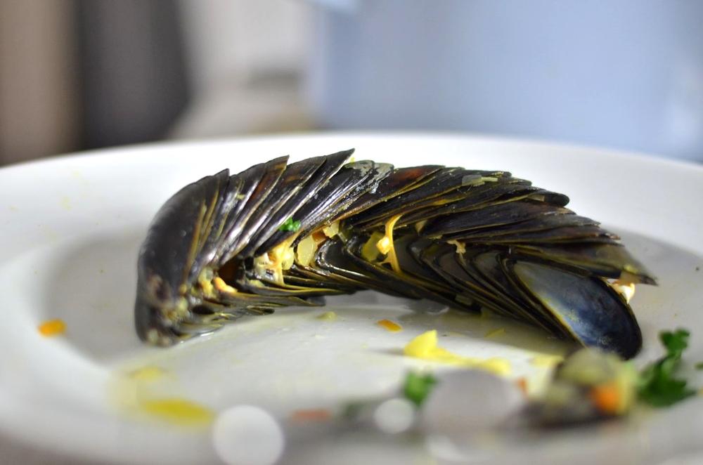 Den riesigenBergleerer Schalen kann umgehen, werin Bastellaune ist und sich bei den Franzosen diesen Trick abgeschauthat. Diesteckendie Schalen für gewöhnlichineinander. Im Restaurant ist dafür vom Personal ein Lobfast schon garantiert.