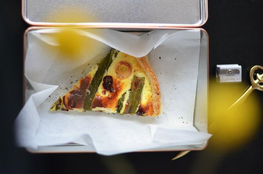 Im vorgeheizten Ofen (190 °C Umluft oder 210 °C Ober-/Unterhitze)