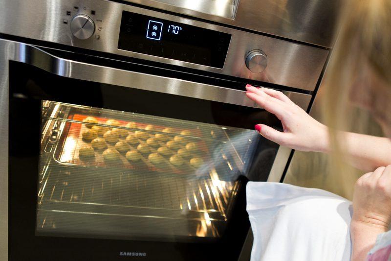 Bei 170 °C Umluft ca. 20 Minuten goldig backen.