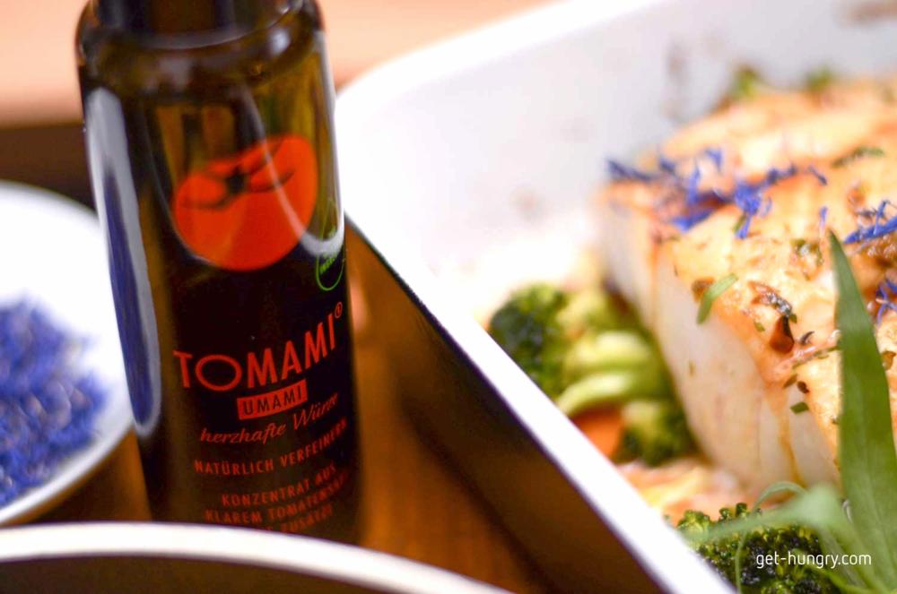 Durch schonendes Reduzieren vollreifer Tomaten wird klarer Tomatensaft zu einer herzhaften Würze mit sehr intensivem Geschmack.TOMAMI 'Umami' gelingt es z.B.fehlende Röstaromen zu kaschieren und sogar Salz zu reduzieren.