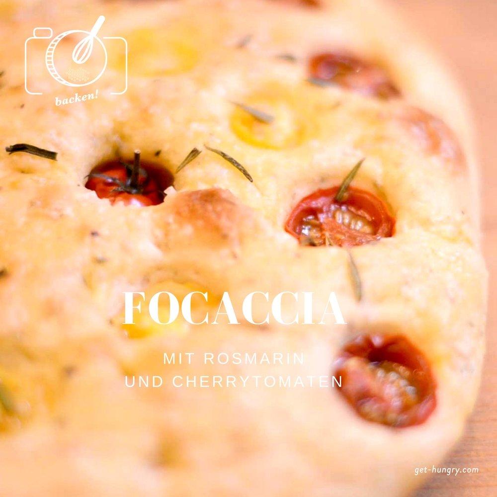 Focaccia mit Rosmarin und Cherry-Tomaten - italienisches Fladenbrot