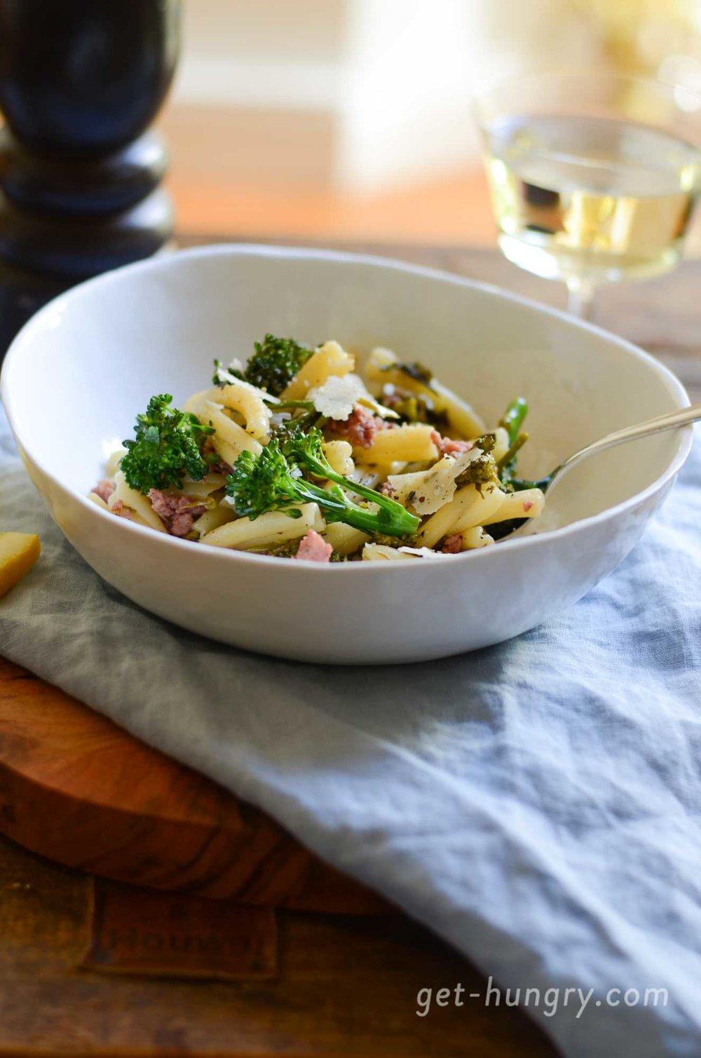 Caserecce mit Salsiccia und Wildem Brokkoli in Zitronen-Knoblauch-Sauce